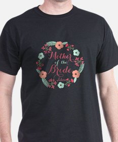 Chic Floral Wreath Mother of the Bride T-Shirt