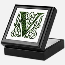 Ivy Monogram V - Keepsake Box