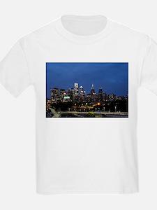 Philadelphia cityscape skyline view T-Shirt