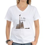I dig dirty Women's V-Neck T-Shirt