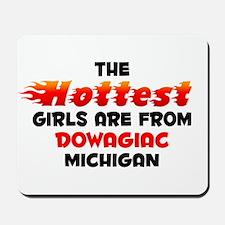 Hot Girls: Dowagiac, MI Mousepad