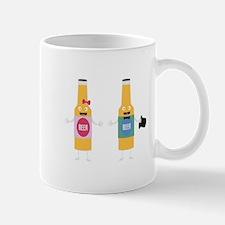 Wedding Beerbottle couple Cn4bx Mugs