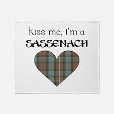 Kiss Me! Throw Blanket