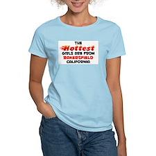 Hot Girls: Bakersfield, CA T-Shirt