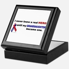Never Knew A Hero.....Granddaughter (ARMY) Keepsak