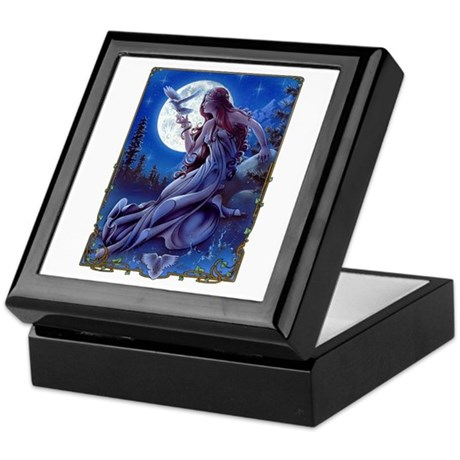 Queen of Dreams Keepsake Box