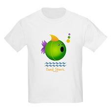 Bead Shark Bead (green) T-Shirt