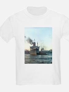 Oceanliner S.S America, 1946 New York T-Shirt