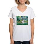 Bridge / Welsh Corgi (Bl.M) Women's V-Neck T-Shirt