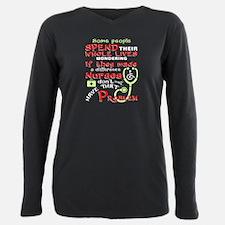 """""""Buccaneers"""" Cheerleaders Roc Dog T-Shirt"""