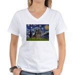 Starry Night /Pomeranian(bndl ) Women's V-Neck T-S
