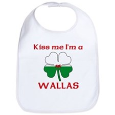 Wallas Family Bib