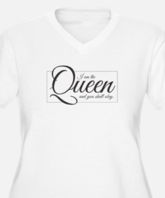 I am the Queen - Obey Plus Size T-Shirt