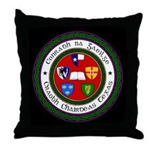 Cool Craobh chairdeas Throw Pillow