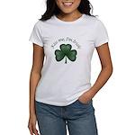 Kiss me, I'm Irish! Women's T-Shirt