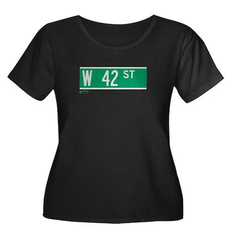 42nd Street in NY Women's Plus Size Scoop Neck Dar