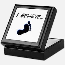 I believe in bigfoot Keepsake Box