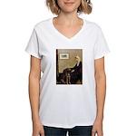 Mom's Chocolate Lab Women's V-Neck T-Shirt