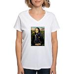 Mona Lisa /giant black Schnau Women's V-Neck T-Shi