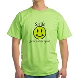 Saying jesus loves you Green T-Shirt