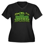 Kiss Me I'm Irish Shamrock Women's Plus Size V-Nec