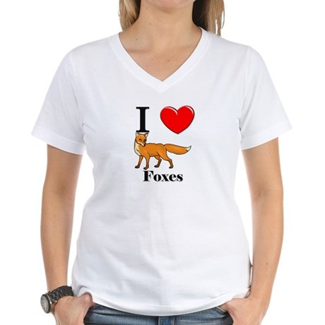 I Love Foxes Women's V-Neck T-Shirt