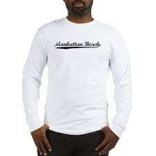 Vintage Manhattan .. (Black) Long Sleeve T-Shirt