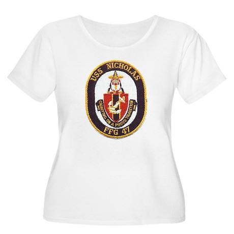 USS NICHOLAS Women's Plus Size Scoop Neck T-Shirt