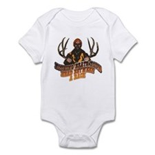 Nothing beats your head betwe Infant Bodysuit