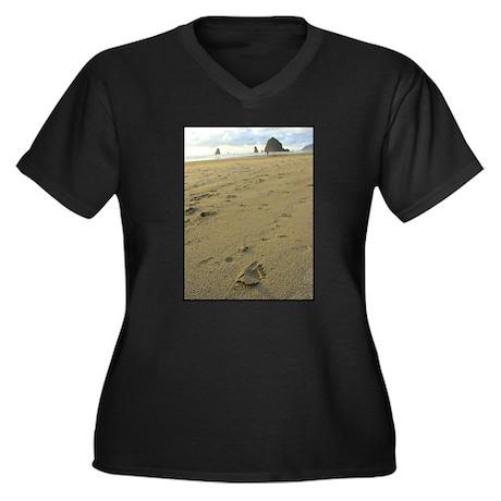 Footprints on the Beach Women's Plus Size V-Neck D