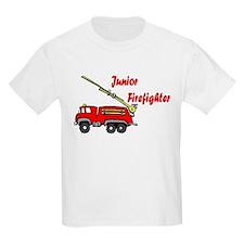 """""""Junior Firefighter"""" with fire truck Kids T-Shirt"""