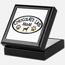 chocolate lab mom oval Keepsake Box
