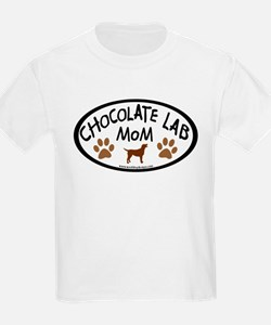 chocolate lab mom oval T-Shirt