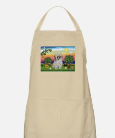 Shih Tzu in Bright Country Apron