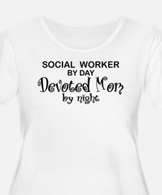 Social Worker Devoted Mom T-Shirt