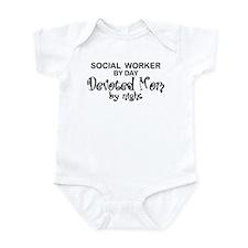 Social Worker Devoted Mom Infant Bodysuit