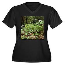Redwood Forest Flowers Women's Plus Size V-Neck Da