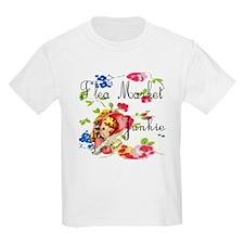 flea market junkie # T-Shirt
