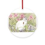 Round OrnamentWhite Cat