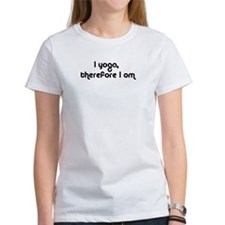 A new classic I Yoga Therefore I Om bla... T-Shirt