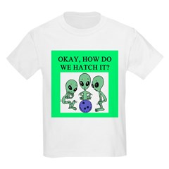 alien bowling joke T-Shirt