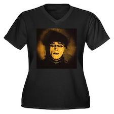 Cesare Women's Plus Size V-Neck Dark T-Shirt