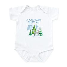 Christmas Time Weimaraner Infant Bodysuit