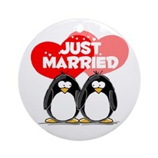 Just Married Penguins Ornament (Round)