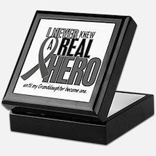 Never Knew A Hero 2 Grey (Granddaughter) Keepsake