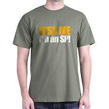 Kiss an SP T-Shirt