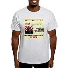 born in 1982 birthday gift T-Shirt