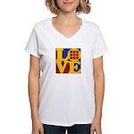 Quilts Love Women's V-Neck T-Shirt