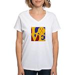 Canoeing Love Women's V-Neck T-Shirt