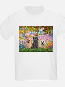 Garden/3 Cairn Terriers T-Shirt